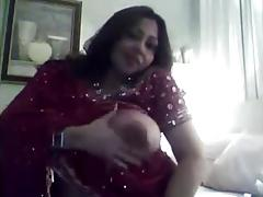 Hot Indian Girl Shows her Huge Boobs, Pussy Show