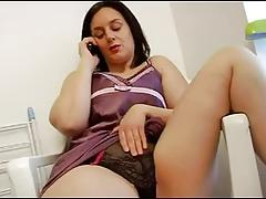 FRENCH CASTING 23a brunette anal francaise ronde
