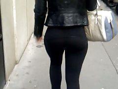 Leggin Nice Ass