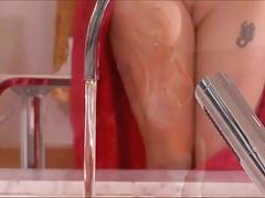 Bath Time Fun - Simply Sex