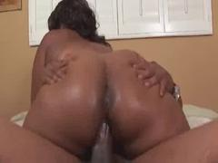Lady Finesse fucks Shorty