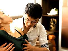 Spying a korean girl having sex in the living room