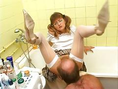 Stepfather licking cunt not his stepdaughter! Amateur!
