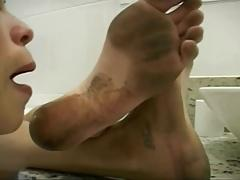 Lick my dirty feet in the toilet