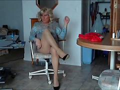 Lisa wearing pantyhose and heels in kitchen