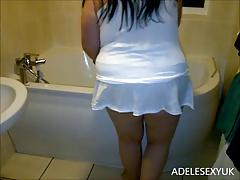 upskirt cleaning the bath by adelesexyuk