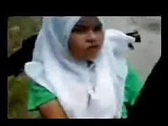 malay- tudung putih outdoor 1