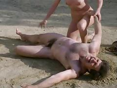 Gefangene Frauen (1980) - Scene 12 France Lomay Fight