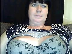 amazing milfs boobs