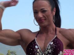 Italian muscle woman - biceps bouncing