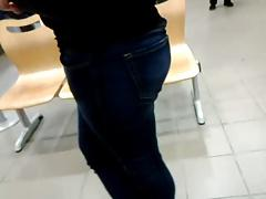 Milf's ass at post office 2